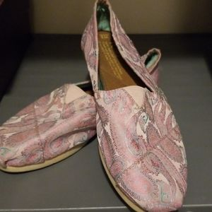 Tom's women's shoes
